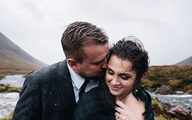 Eloping in Scotland, bride and groom